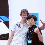 Me with Machinaka Art Gallery employee, Fukuoka, Japan | © Rei Nakazato, September 2012
